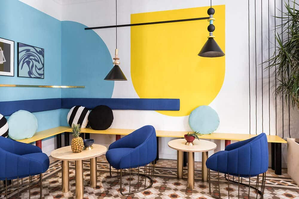 tendances color block masquespacio valencia hotel lounge
