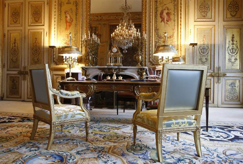 How could the french presidential office be furnished