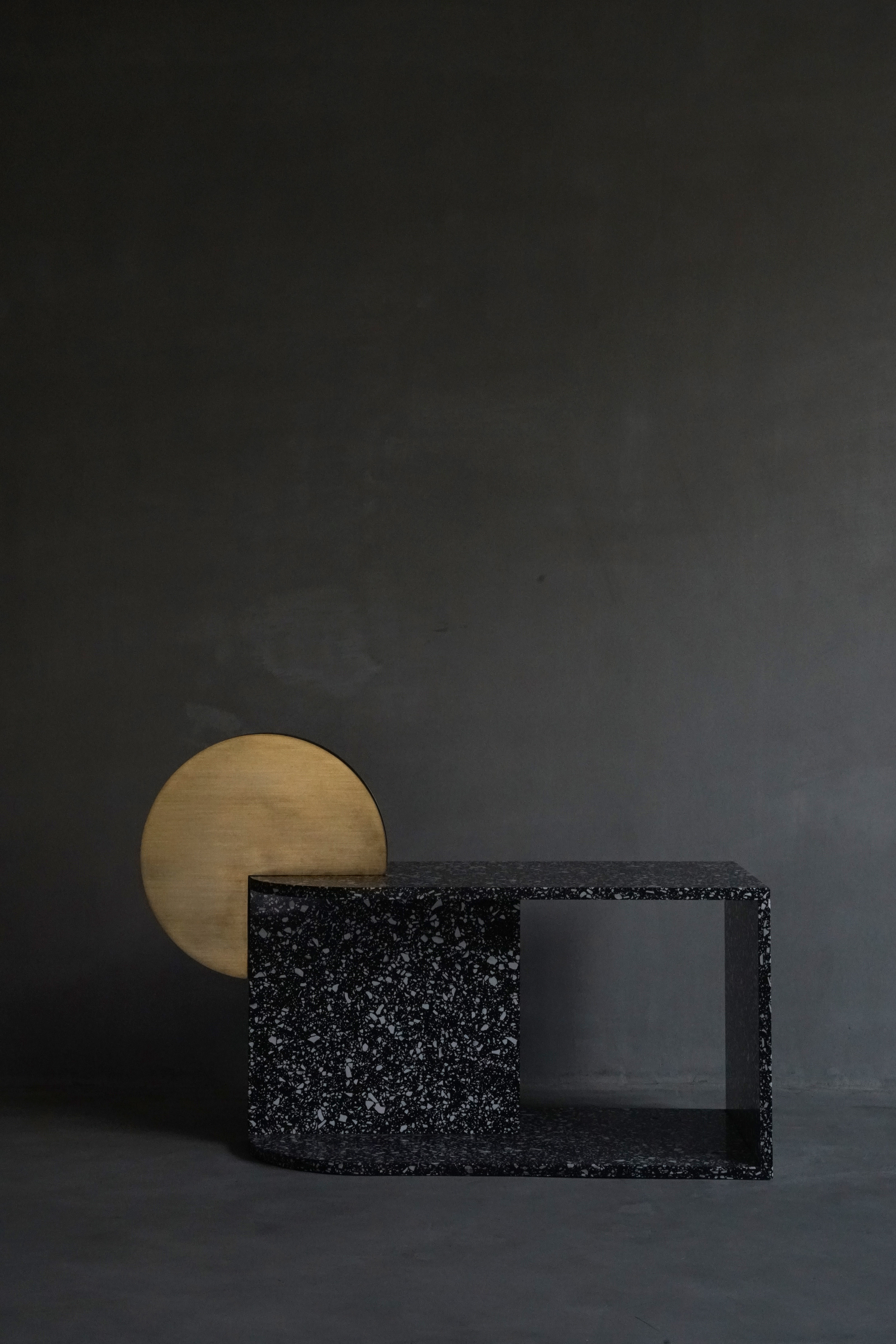 On the occasion of Maison&Objet, Urbancraft presented new works including terrazzo, glass and marble low tables.