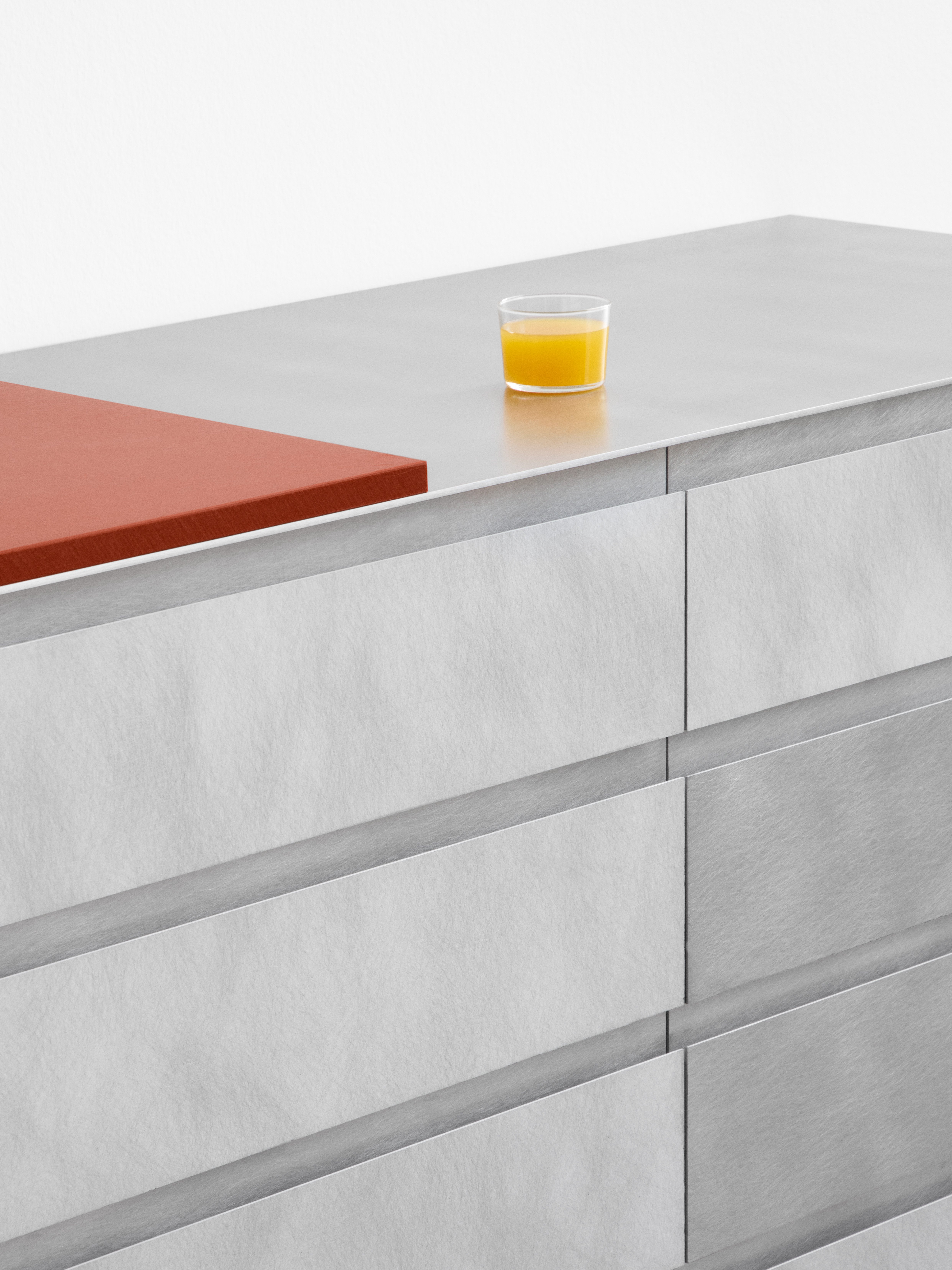 Reform metal kitchen cabinets by Studio David Thulstrup.